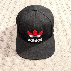 Men's Adidas Trefoil SnapBack paid $38 Like new!